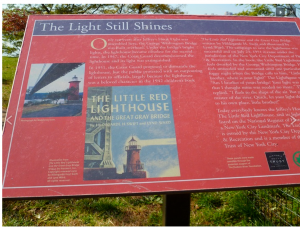 Story of Little Red Lighthouse and the Great Gray Bridge